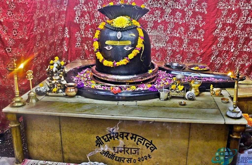 This image has an empty alt attribute; its file name is 05-2-dharmeshwar-mahadev-temple-in-bharmour-chaurasi-himchal-valley-1024x671.jpg