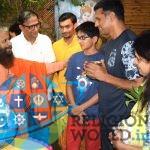 ऋषिकेश के परमार्थ निकेतन पधारे राहुल द्रविड़ और उनका परिवार