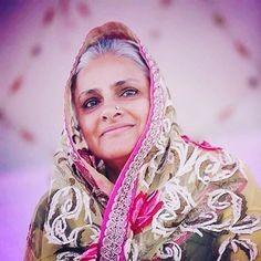 Mata Savinder Hardevji merges into Nirankar
