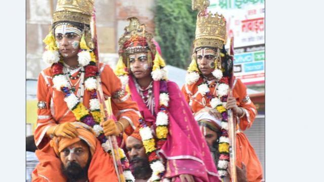 साल 1783 में रामनगर में रामलीला की शुरुआत काशी नरेश उदित नारायण सिंह ने की थी.